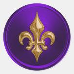Púrpura y sello del sobre de la flor de lis del or etiquetas