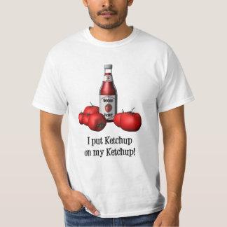 Puse la salsa de tomate en mi camiseta de la salsa