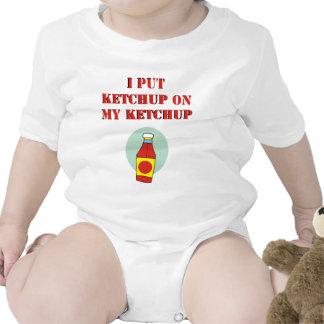 Puse la salsa de tomate en mi salsa de tomate trajes de bebé