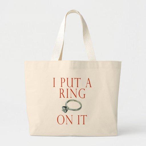 Puse un anillo en él compromiso del novio bolsas lienzo