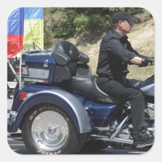 ¡Putin monta un Trike! Etiquetas