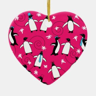 Puttin del pingüino en el Ritz Adorno Navideño De Cerámica En Forma De Corazón