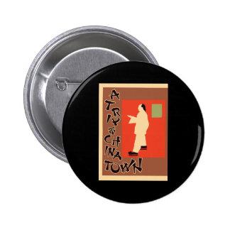 Pyrde y Nicholson un viaje a Chinatown Pin Redondo De 2 Pulgadas