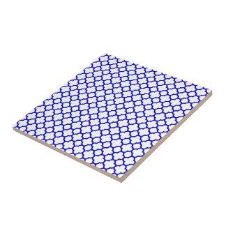Quatrefoil blanco azul marino azulejo cuadrado pequeño