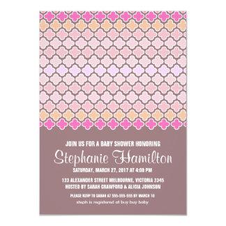 Quatrefoil colorido de la ducha de la niña invitación 11,4 x 15,8 cm