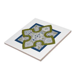 Quatrefoil Cross Tile