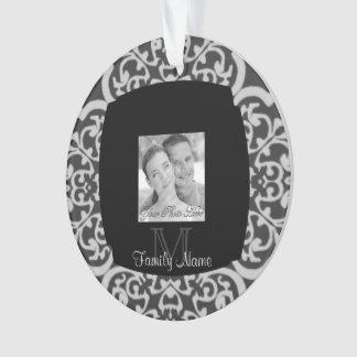 Quatrefoil Damask (Grey) Ornament