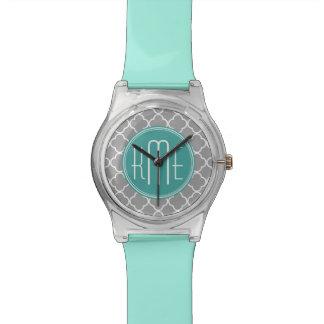Quatrefoil gris con el monograma de encargo de la  relojes
