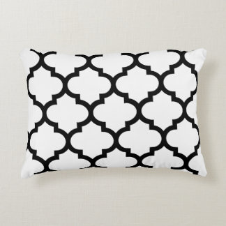 Quatrefoil Ogee Accent Pillow - Black and White