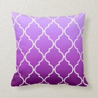 Quatrefoil Ombre Geometric | purple Throw Pillow