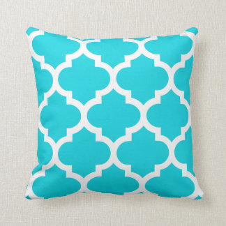 Quatrefoil Pillow in Aqua
