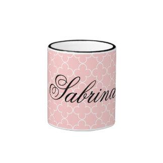 Quatrefoil rosado conocido personalizado de la taza a dos colores