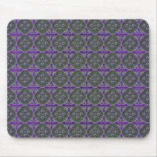 Quatrefoils Green on Purple Mouse Pad