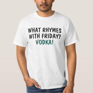 ¿Qué rima con viernes? Vodka Playera