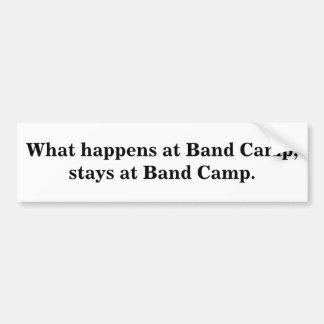 Qué sucede en el campo de la banda, permanece en e pegatina para auto