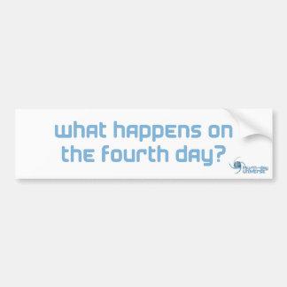 ¿Qué sucede en el cuarto día? (pegatina, blancos) Pegatina Para Auto