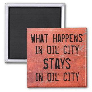 Qué sucede en estancias de la ciudad del aceite en imán cuadrado