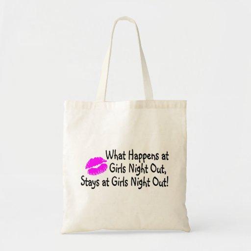 Qué sucede en la noche de los chicas hacia fuera p bolsas de mano