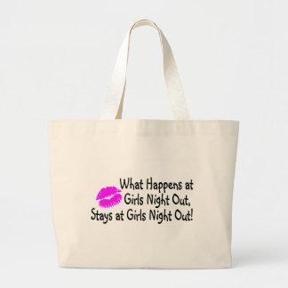 Qué sucede en la noche de los chicas hacia fuera p bolsas