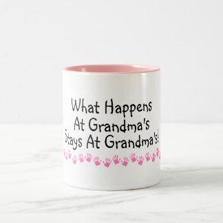 Qué sucede en las estancias de las abuelas en las taza de café de dos colores