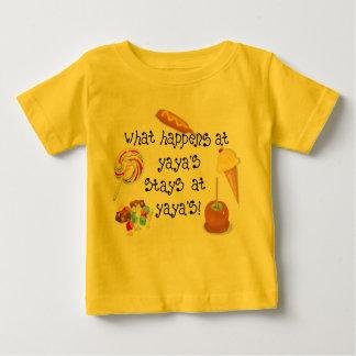 ¡Qué sucede en las ESTANCIAS de YaYa en YaYa! T Shirts