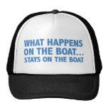 Qué sucede en las estancias del barco… en el barco gorras de camionero