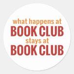 Qué sucede en las estancias del círculo de lectore etiqueta redonda