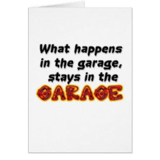Qué sucede en las estancias del garaje en el garaj tarjeta de felicitación