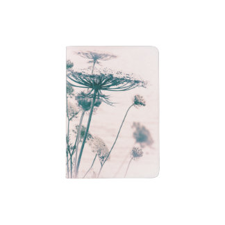 Queen Anne's Lace   Passport Holder