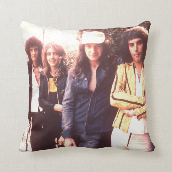 Queen | August 1975 Throw Pillow