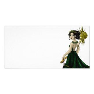 Queen Magnacious Picture Card