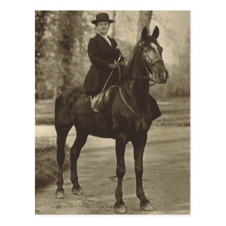 Queen Wilhelmina on horse sidesaddle #018SS Post Card