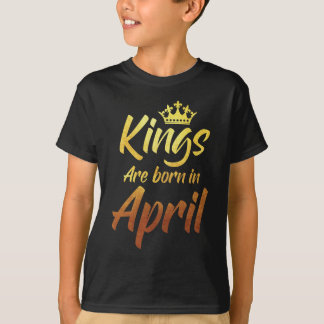 Queens are Born in March V01-04-b-05-05-06 T-Shirt