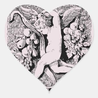 Querube ornamental pegatina en forma de corazón