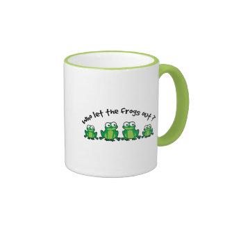 ¿Quién dejó las ranas hacia fuera? Tazas De Café
