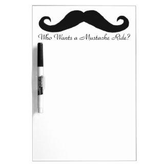 ¿Quién quiere un paseo del bigote? Pizarras Blancas De Calidad