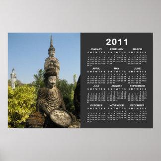 ¿Quién usted adora? Calendario de Nong Khai 2011 Póster