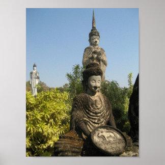 ¿Quién usted adora? Nong Khai, Isaan, Tailandia Póster