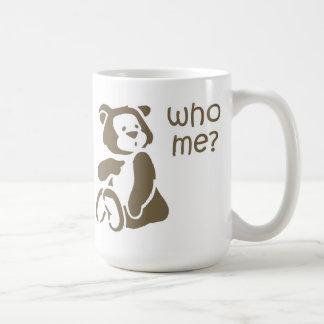Quién yo taza del oso de peluche del dibujo