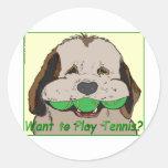 ¿Quiera jugar a tenis? Etiqueta Redonda