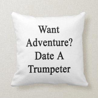 Quiera la fecha de la aventura un trompetista almohada