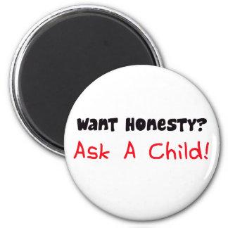 Quiera la honradez piden un imán del niño