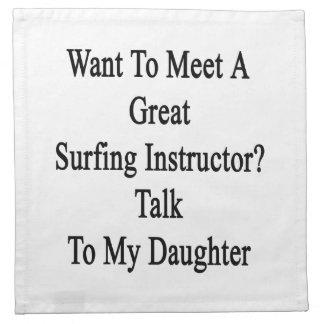 Quiera resolver una gran charla del instructor que servilleta imprimida