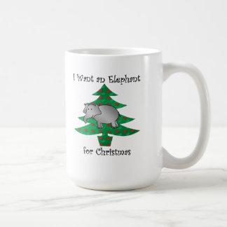 Quiero un elefante para el navidad taza clásica