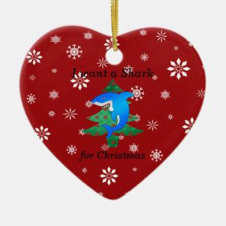 Quiero un tiburón para el navidad adorno navideño de cerámica en forma de corazón