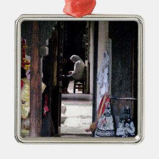'Quiet corridor' Shianghai Metal Ornament