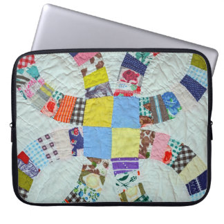 Quilt pattern laptop sleeve