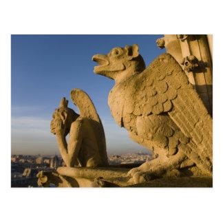 Quimera en la fachada de la catedral de Notre Tarjetas Postales