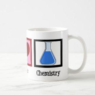 Química del amor de la paz taza clásica