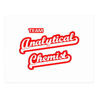 Químico analítico del equipo postales